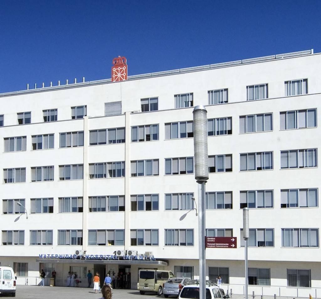 Imagen del edificio del antiguo Hospital Virgen del Camino, hoy del CHN
