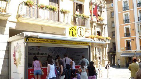 La nueva oficina de turismo de pamplona se estrenar el for Oficinas bankia pamplona
