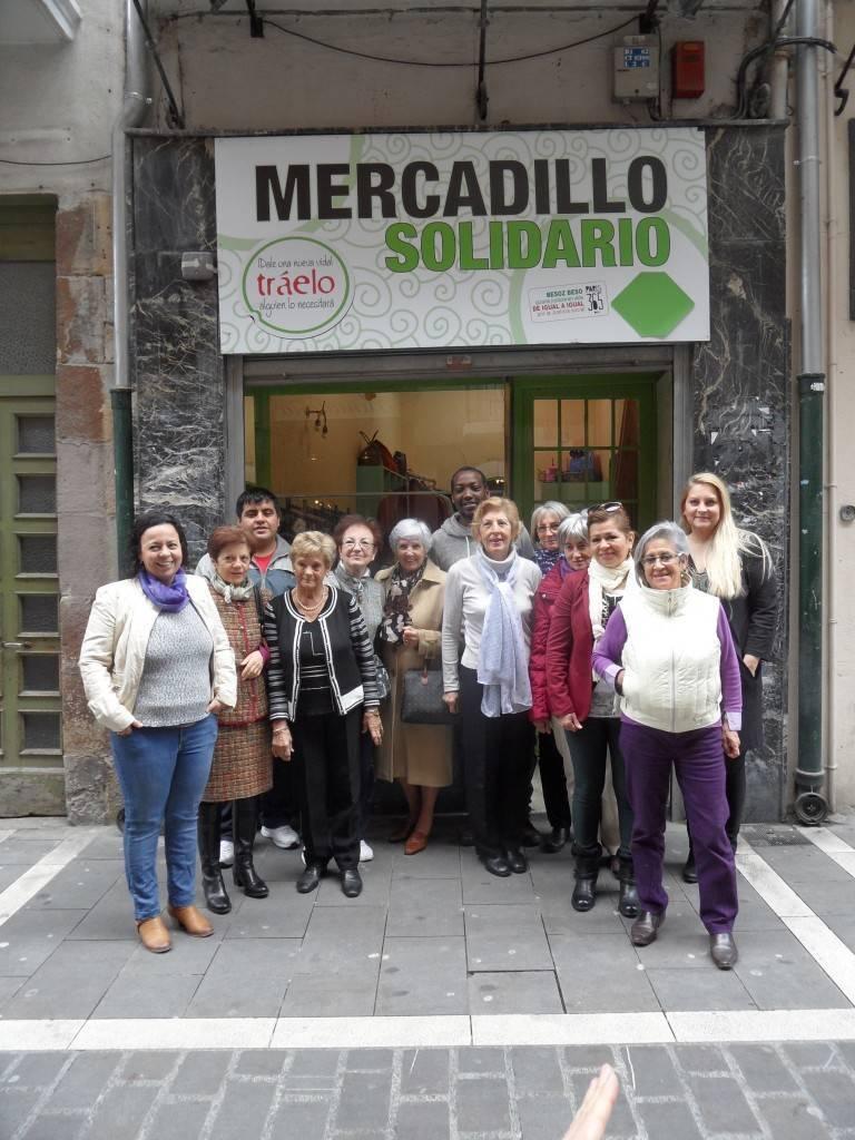 La fundaci n gizakia herritar par s 365 inaugura su tienda - Comedor solidario paris 365 ...