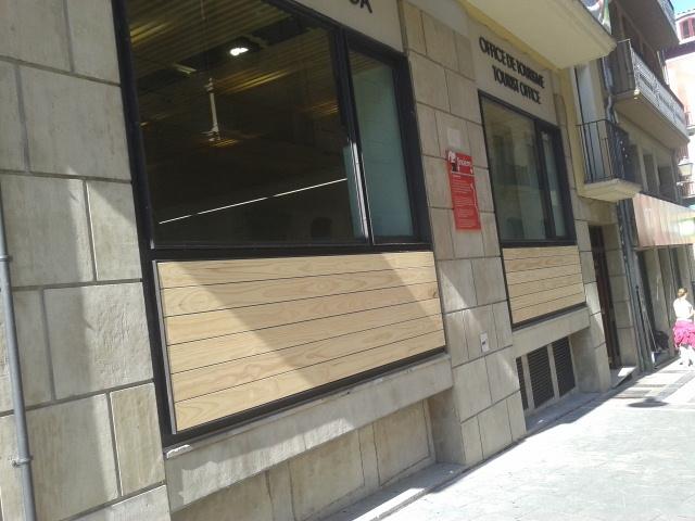Denuncian el cierre de la oficina de turismo de pamplona for Oficinas bankia pamplona