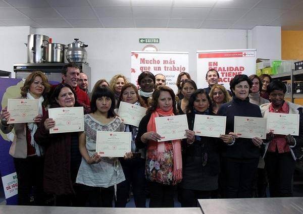 15 mujeres finalizan un curso de profesionalidad en cocina for Cursos de cocina en pamplona