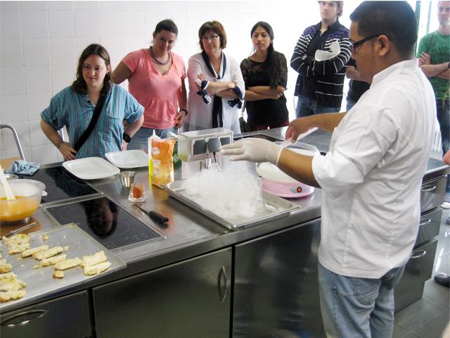 El ayuntamiento organiza cursos de autonom a y empoderamiento personal para que ellas aprendan - Cursos de cocina en pamplona ...