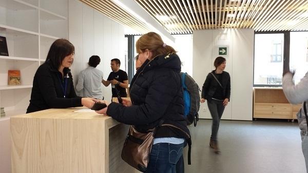 La oficina de turismo de pamplona atendi entre el 15 de for Oficinas bankia pamplona