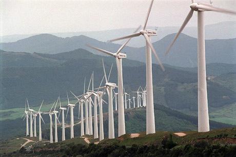 Molinos de viento en el Parque Eólico de El Perdón. Horizontal. Energías alternativas. Medio ambiente. Aerogeneradores.