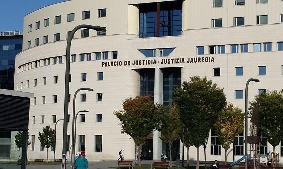 Primera sentencia en Navarra que libera a los padres del aval realizado en la hipoteca de sus hijos
