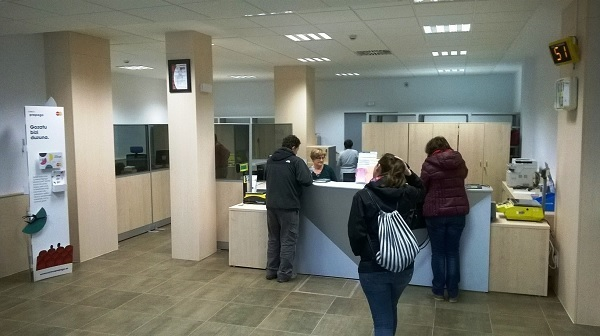 la oficina de correos de la rochapea estrena reforma