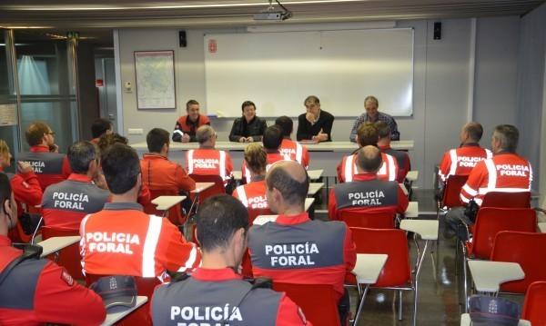 bomberos y policias