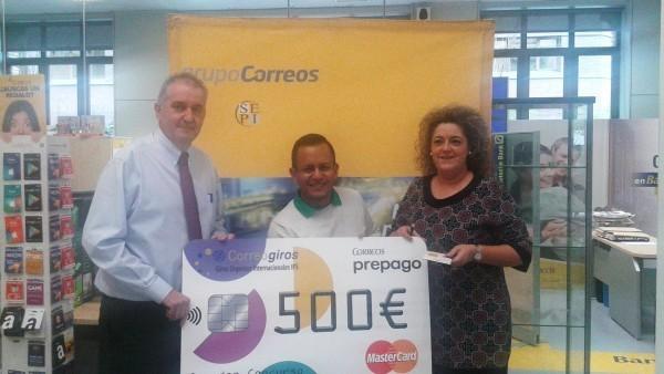 Correos de sarasate entrega un premio de 500 for Oficina correos pamplona