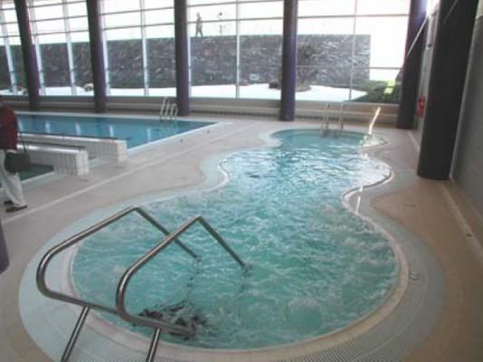 los usuarios de las piscinas de anso in piden la mejora de