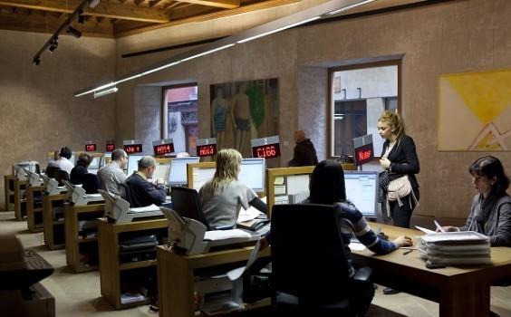 Las oficinas y registros municipales cierran por for Oficinas bankinter pamplona