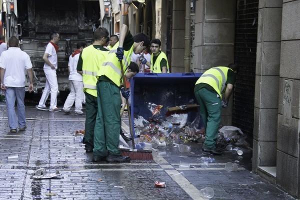 Denuncian que pamplona pierde decenas de miles de euros al for Empresas de limpieza en pamplona