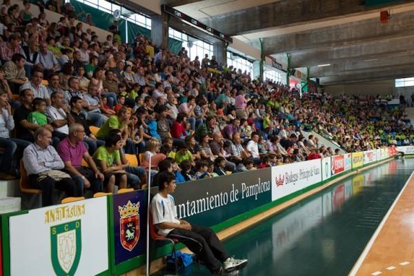 Pamplona acoger la supercopa de espa a de balonmano for Oficina correos pamplona