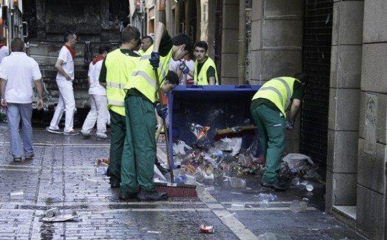 Pamplona licita el contrato de limpieza viaria por 47 1 for Empresas de limpieza en pamplona
