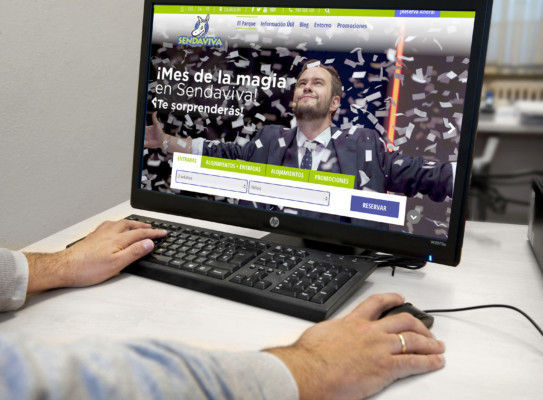 Sendaviva estrena una nueva web m s intuitiva y visual for Piscinas berrioplano