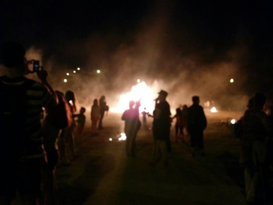 Foto: Hoguera de San Juan este jueves en Burlada (Foto. Ayuntamiento de Burlada)