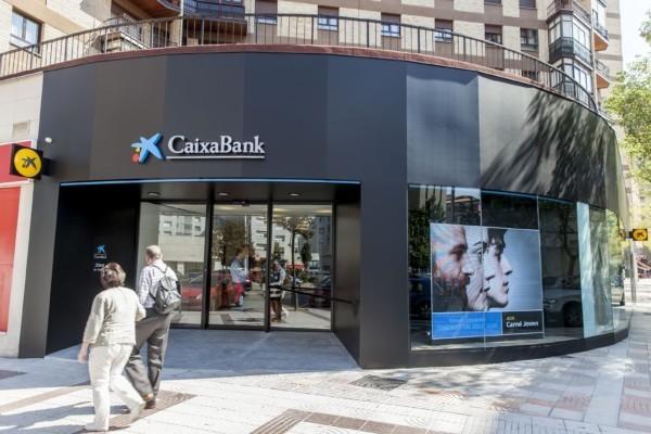 Caixabank abre en pamplona y bara in dos oficinas del for Oficinas bankinter pamplona