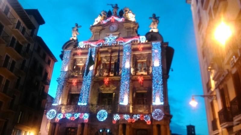 Pamplona estrena la navidad con una iluminaci n - Lucecitas de navidad ...