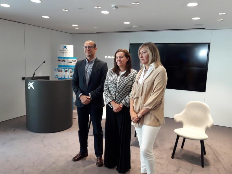 Lanzan la segunda edici n del proyecto mujer emprende for Caixa oficinas pamplona