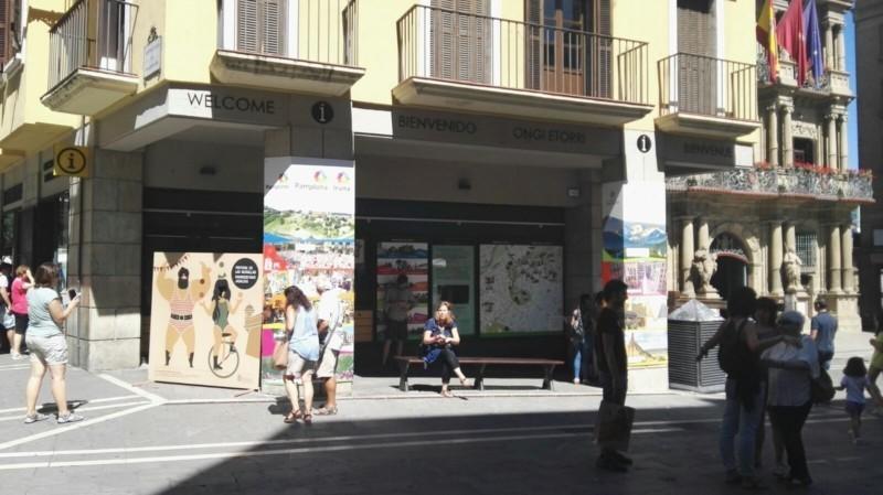 Los hoteles del centro de pamplona cerraron agosto con m s for Oficina turismo pamplona