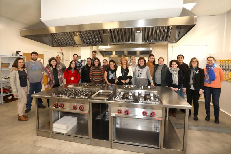 15 personas inician el primer curso de cocina de este a o del programa de formaci n para el - Cursos de cocina en pamplona ...